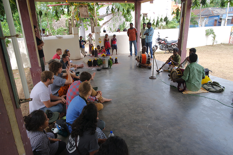 Musicians in Koovathur temple.