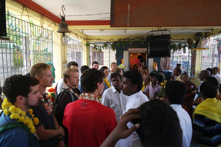 STEM MBA students were greeted by the political leaders of Kovilambakkam.